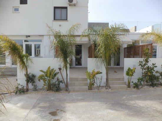 Nissi49 Apartments : External 1
