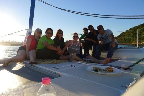 Champagne Sailing Sydney: Team Building