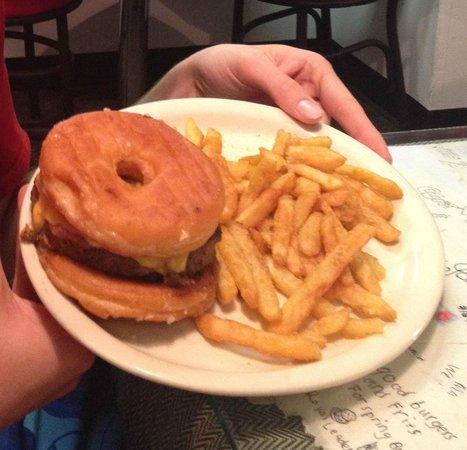 Brooks Gourmet Burgers & Dogs: Donut burger