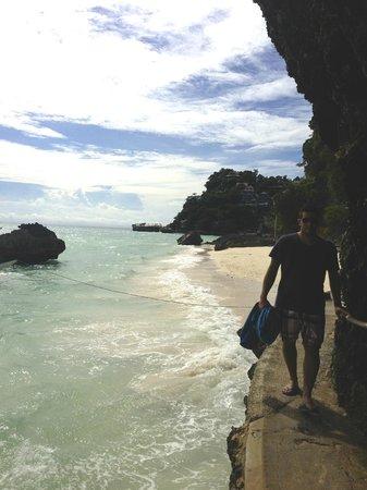 Nami Resort : Beach looking back at hotel