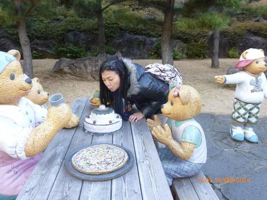 Teddy Bear Museum Jeju: my birthday cake