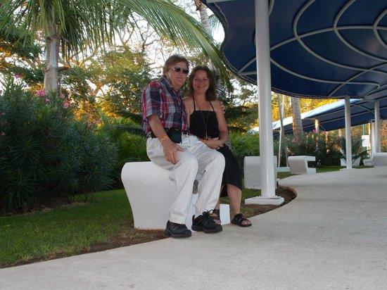 Azul Ixtapa Grand Spa & Convention Center: a stroll before dinner