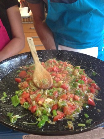 Boca a Boca foodie experience: starting our black rice paella
