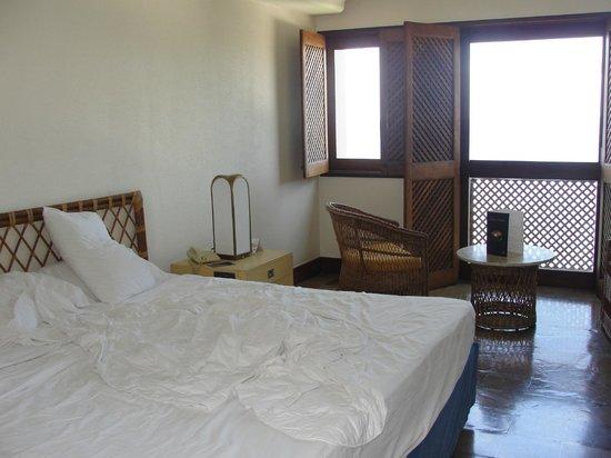 Bahia Othon Palace : Quarto amplo e arejado