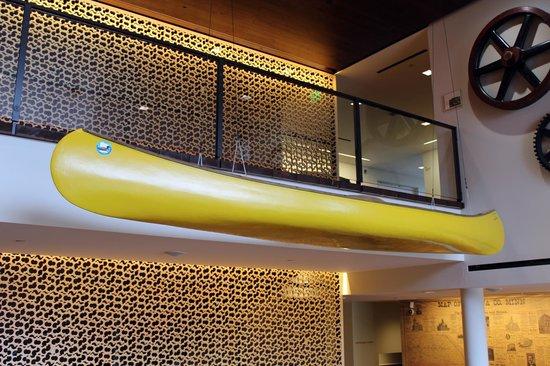 Minnesota Marine Art Museum: Local canoe on display