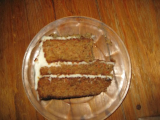 Clawson's 1905 Restaurant: Carrot cake with cream cheese frosting