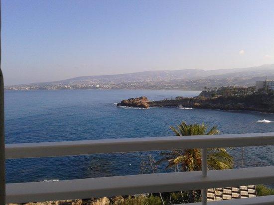 Cynthiana Beach Hotel : μπαλκόνι στη θάλασσα