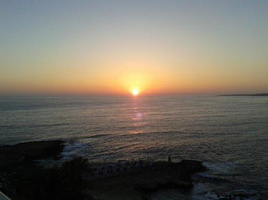 Cynthiana Beach Hotel : ηλιοβασίλεμα