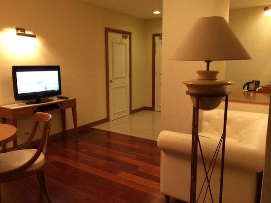 Royale Chulan Kuala Lumpur : リビング付きの角部屋