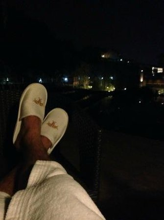 Regalia Resort & SPA Nanjing Tangshan: Relaxed after the tub enjoying the outside terrace view