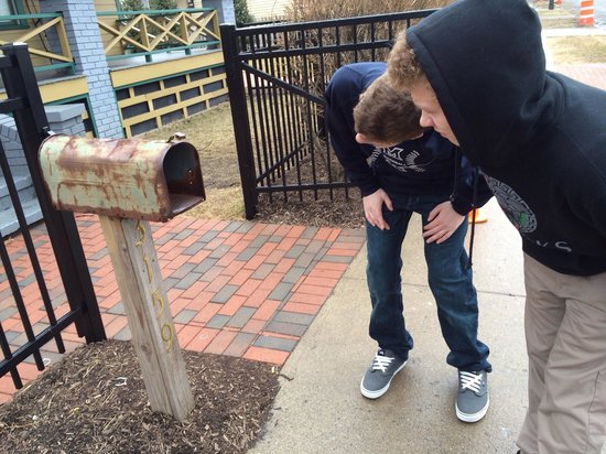 Christmas Story House : Checking the mail
