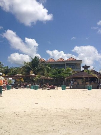 Sandy Haven Resort: view of hotel from beach