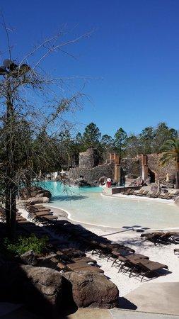 Loews Portofino Bay Hotel at Universal Orlando : Pool area