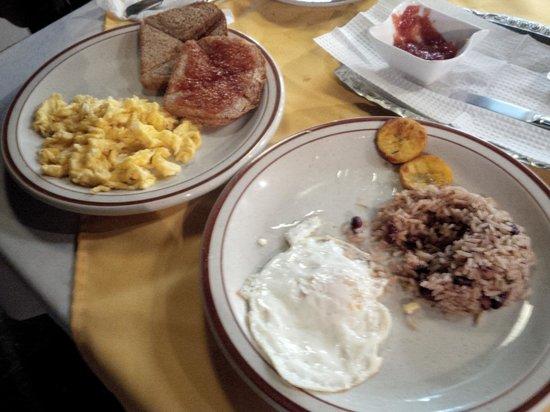 Manakin Lodge Monteverde : Breakfast