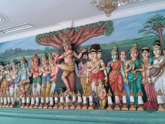 Sri Maha Mariamman Temple: Божества