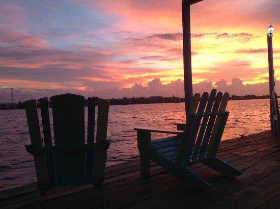 Cosmic Crab Resort : Stunning Caribbean sunsets!
