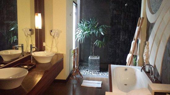 The Bali Dream Villa & Resort: Bathroom