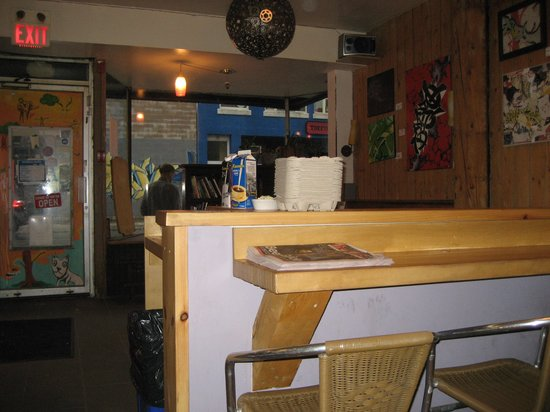 Halifax Backpackers Hostel : The Cafe with amazing local artists being feaured.
