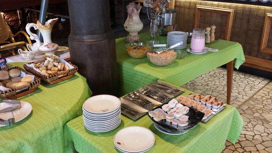 La Fresque: Café da manhã (desayuno/breakfast).
