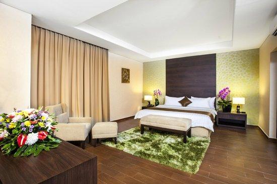Padjadjaran Suites Hotel & Conference: Royal Suite