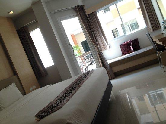 Andatel Grande Patong Phuket Hotel: bedroom