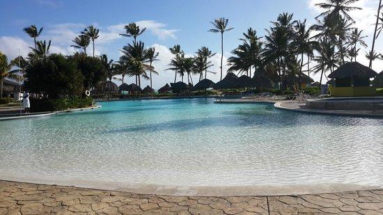 Tropical Princess Beach Resort & Spa : Pileta