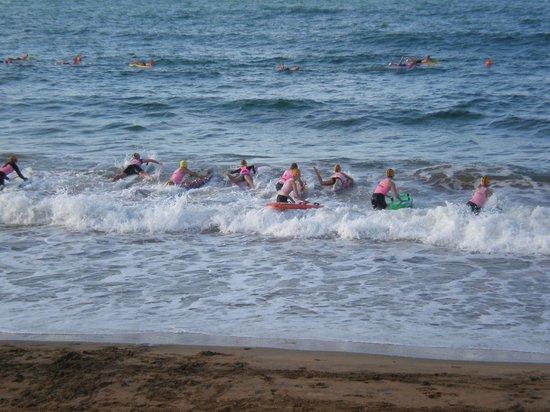 Beachfront Voyager Motor Inn : Juniors training at the Burnie Surf Club