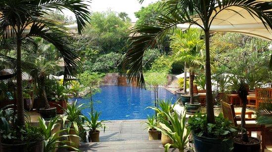 Victoria Angkor Resort & Spa : Victoria Angkor pool