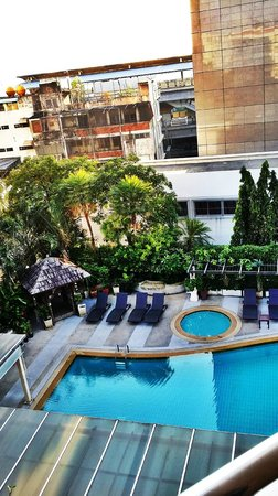 Abloom Exclusive Serviced Apartments: pool