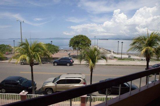 Hotel Yadran Beach Resort: Vista desde el Balcon de la habitacion
