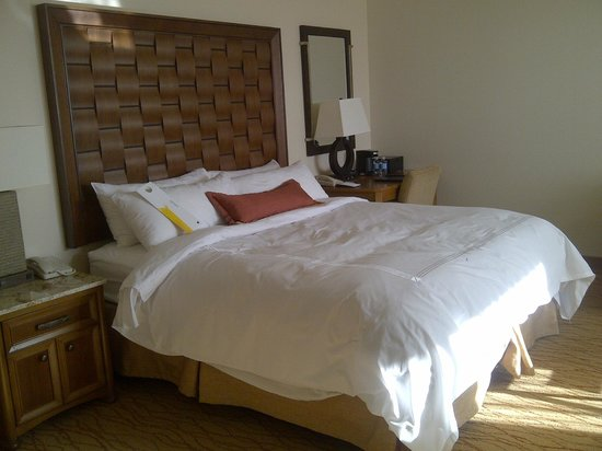 JW Marriott Desert Springs Resort & Spa: King Bed