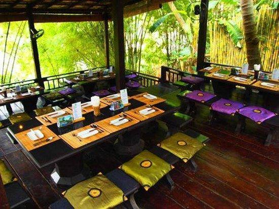 Dyen Sabai Restaurant & Bar