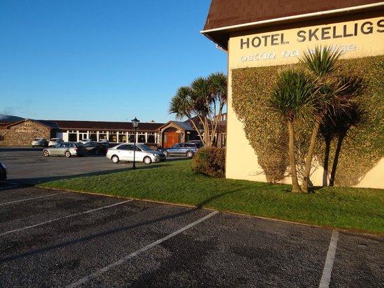 Dingle Skellig Hotel : Outside View