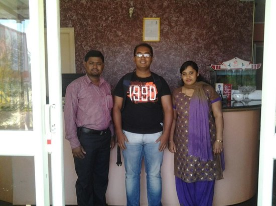 Ample Inn: Ramesh, myself and his wife