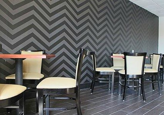 Quality Inn West End : Breakfast & Banquet Room