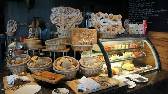 SO Sofitel Bangkok: THE OVEN for breakfast