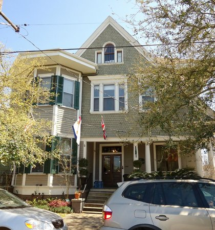 1896 O'Malley House Bed and Breakfast: The O'Malley House is rich in NOLA history