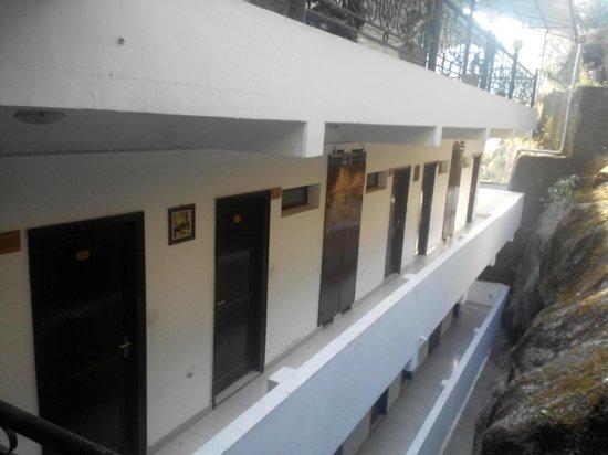 Mussoorie Gateway: Corridor