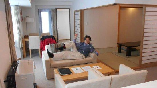 One Niseko Resort Towers: Premium suite living room.