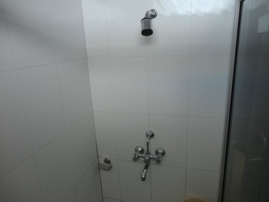 Mussoorie Gateway : Clean Bathroom