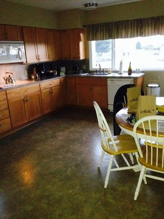 Stoller Vineyards Guest Houses: Nice Kitchen