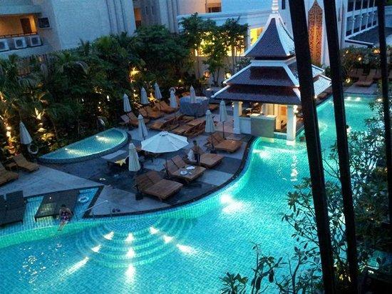 Centara Anda Dhevi Resort and Spa : วิวสระน้ำจากระเบียงห้อง