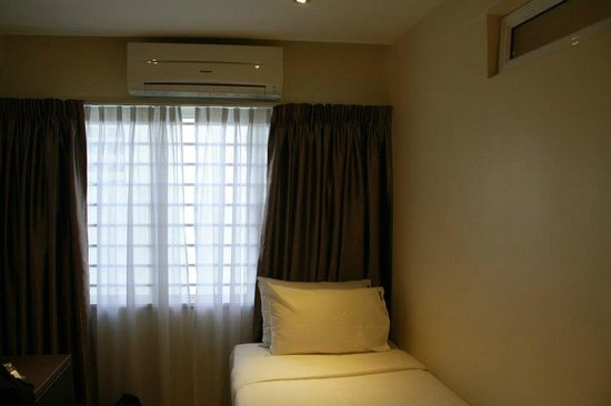 Sunbow Hotel Residency : Room with 3 single beds