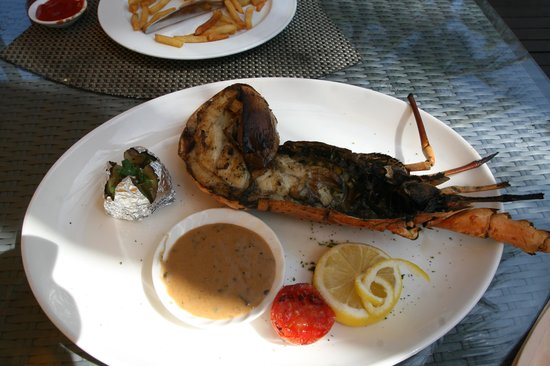 Angsana Bintan: Lunch by the beach