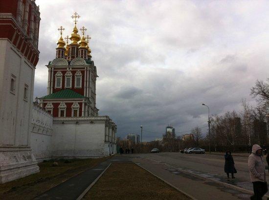 Couvent et cimetière de Novodievitchi : Перед входом