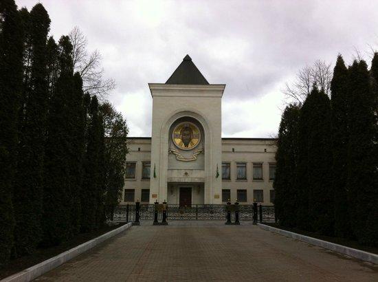 Danilov Monastery: На территории