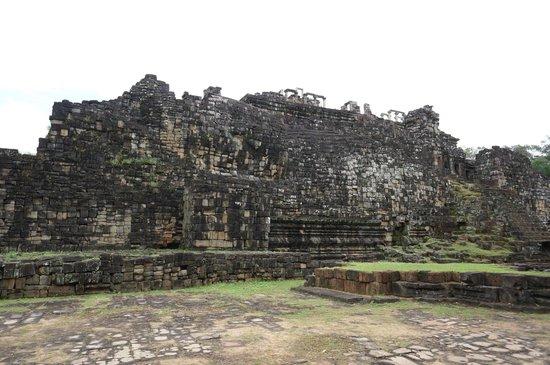 Temple de Baphuon : Baphuon - the reclining Buddha