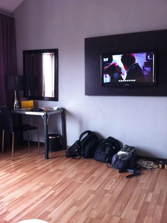 11@Century Hotel: Spacious