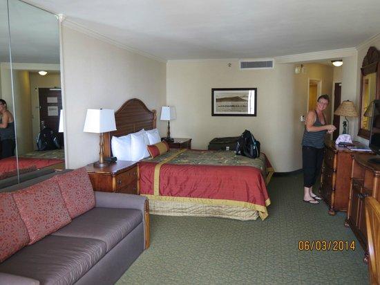 Outrigger Waikiki Beach Resort : King room