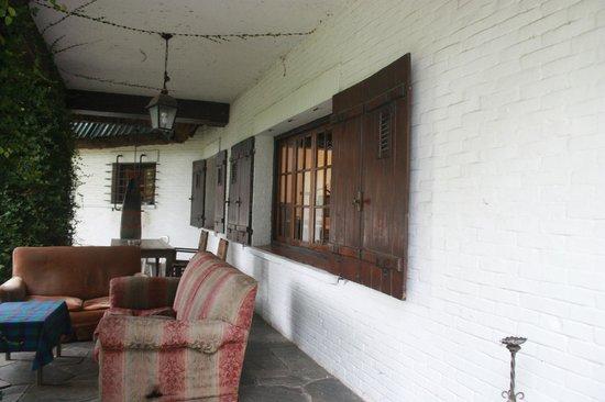 Posada Portones de Carrasco: Sala de estar